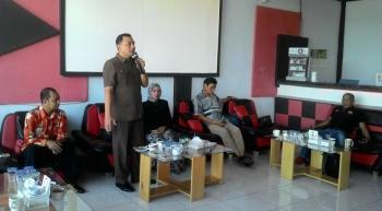 Anggota DPRD Provinsi Kalteng Reza Fakhrony dalam resesnya di Buntok Kabupaten Barito Selatan. BORNEONEWS/LAILY MANSYUR