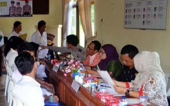 Tes Pemeriksaan Administrasi (Rikmin) Awal bagi calon Akademi Kepolisian (Akpol), Bintara Khusus Penyidik Pembantu, Bintara dan Tamtama Polri bertempat di aula Bhayangkari Polres Pulang Pisau, Sabtu (30/4/2016).