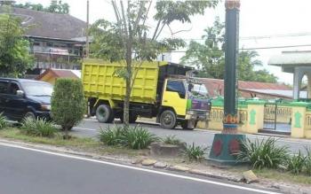 Truk yang terlibat kecelakaan saat ini diamankan di Mapolres Kotawaringin Barat. BORNEONEWS/CR-1