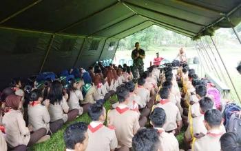 Latihan gabungan SWK yang dilaksanakan di Kompi C 631 Antang Puruk Cahu, Minggu (15/5). (foto: Supri)