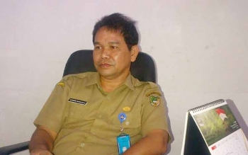 Kepala Dinsosnakertrans Barito Utara Hendro Nakalelo. BORNEONEWS/RAMADANIi