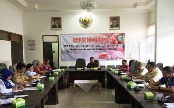 RAPAT KOORDINASI : TPID Kabupaten Kotim menggelar rapat koordinasi, Selasa (17/5/2016) lalu. TPID merumuskan paket kebijakan jelang Ramadan dan Idul Fitri untuk mengantisipasi lonjakan harga.