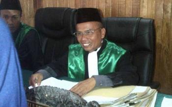 Ketua Pengadilan Agama Pangkalan Bun, Kotawaringin Barat, Drs. Mahalli, SH, MH. BORNEO/HENDI NURFALAH