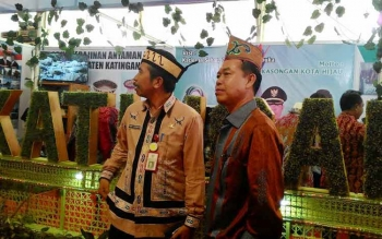 FESTIVAL BUDAYA: Pemerintah Kabupaten Katingan kecewa karena daerahnya hanya mengikuti satu pertandingan dalam Festival Budaya Isen Mulang 2016. BORNEO/TESTI PRISCILLA