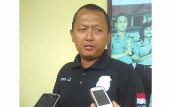 AKP Wiwin J.S, Kasat Reskrim Polres Kapuas saat di wawancarai, Kamis (19/5/2016).