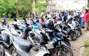 Sejumlah sepeda motor yang terjaring dalam Operasi Patuh 2016 oleh Polres Kotawaringin Timur. BORNEO/DOK