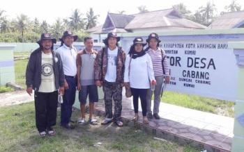 Desa Sungai Cabangn Kecamatan Kumai, merupakan salah satu desa yang terisolasi. (BORNEO/RADEN)