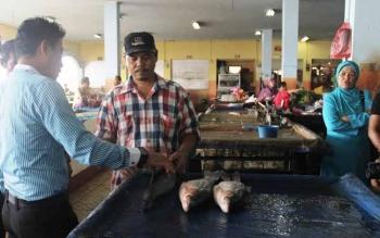 Pemkab Kembangkan Pakan Ikan Mandiri Bahan Baku Lokal