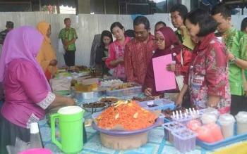 Balai POM: Makanan dan Minuman di Pasar Wadai Kasongan Aman Dikonsumsi