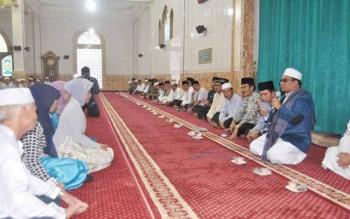 Wagub Kalimantan Tengah Bimbing Seorang Warga Ucapkan Syahadat