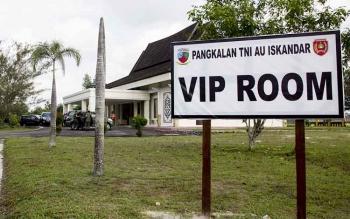 Ruang VIP Bandara Iskandar, Pangkalan Bun, salah satu aset Pemda Kotawaringin Barat, yang masih bersengketa dengan pihak TNI AU soal pengelolaan dan kepemilikan. Adanya status aset daerah yang bersengketa, kata Ketua DPRD Kobar, Triyanto, Kamis (23/6/2016
