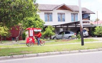 Salah satu sisi Jalan Garuda Palangka Raya. Kepala Disciptarum Palangka Raya, Rojikinnor, Selasa (28/6/2016), memastikan penertiban wilayah itu dilakukan setelah lebaran. BORNEONEWS/DOK