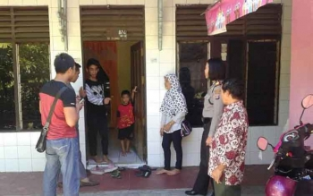 Kapolres Palangka Raya AKBP Lili Warli tidak yakin kalau bayi yang ditemukan di kediaman Tasrifin, 57, warga Jalan B Koetin, Palangka Raya itu berasal dari Buntok. BORNEONEIWS/BUDI YULIANTO