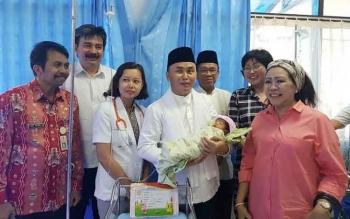 Gubernur Kalimantan Tengah Ingin Adopsi Bayi Eliza Az-Zahra