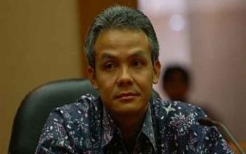 Gubernur Ganjar Ajak Pemudik Berdamai dengan Sampah