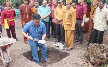 Pembangunan Balai Adat Jabiren mulai dilaksanakan oleh Pemerintah Kabupaten Pulang Pisau. BORNEONEWS/JAMES DONNY