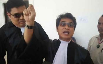 Tim Kuasa Hukum Irwansyah, tersangka perampokan BRI unit Pundu yang mengajukan pra peradilan terhadap Polres Kotim. (Dari kiri) Indriyanto, Rahmadi G Lentam dan Sukarlan Fachri Domas. BORNEONEWS/ARSIP