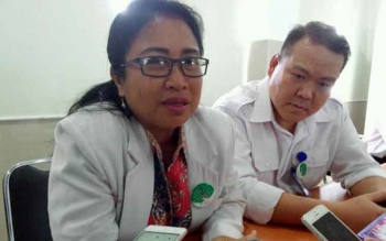Dokter Made membantah jika ia disebut meminta keluarga Lamuel (1,11) korban dugaan malpraktik di RSUD dr Doris Sylvanus Palangka Raya untuk mencabut laporan polisi. BORNEONEWS/BUDI YULIANTO