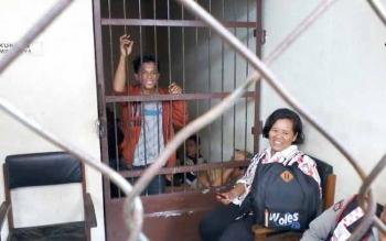 Terdakwa Radul saat berada dalam sel tahanan. BORNEONEWS/DARLAN