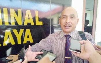 Kuasa Hukum Lamuel, Sukah L Nyahun memberikan komentarnya kepada wartawan di Polres Palangka Raya, Rabu (27/7/2016).