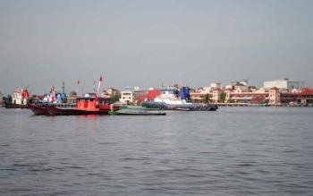 Sungai Mentaya membelah wilayah Kotim dan memisahkan Kota Sampit dengan Kecamatan Seranau dan Pulau Hanaut. Warga Kecamatan Antang Kalang, mengeluhkan dugaan bocornya limbah PT BUM ke Sungai Mentaya. BORNEONEWS/M.RIFQI