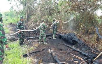 Personel Kodam Tanjungpura Bantu Kodim Atasi Karhutla