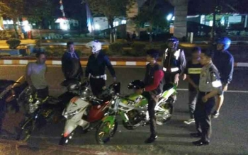 Lima sepeda motor dan pengendara yang diduga sebagai pembalap liar di bilangan Jalan Sutan Syahrir, Pangkalan Bun diamankan. BORNEONEWS/FAHRUDDIN
