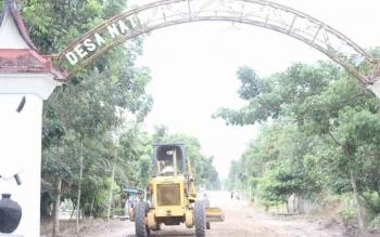 otawaringin Barat genjot pembangunan di perdesaan. Bupati Kobar, Bambang Purwanto, Senin (29/8/2016), mengingatkan SKPD agar jalankan pembangunan sesuai perencanaan. BORNEONEWS/FAHRUDDIN FITRIYA