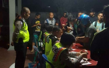 Puluhan pengendara terjaring razia antisipasi tindak kejahatan di Jalan RT A Milono Km 1, Palangka Raya, Sabtu (24/9/2016) malam. BORNEONEWS/BUDI YULIANTO