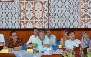 Kadisdik Vitrianson mendampingi guru, Kepala Sekolah dan Pengawas ke Yogyakarta untuk peningkatan kompentensi tenaga pendidik. BORNEONEWS/DJEMMY NAPOLEON