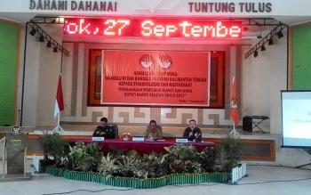 Kegiatan sosialisasi Pilkada Barito Selatan 2017, oleh Bawaslu di GPU Jaro Pirarahan Buntok, Selasa (27/9/2016). BORNEONEWS/PPOST/H. LAILY MANSYUR