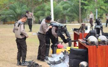 Anggota Polres usai melakukan demonstrasi persiapan pengamanan Pilkada, beberapa waktu lalu. BORNEONEWS/HENDI NURFALAH