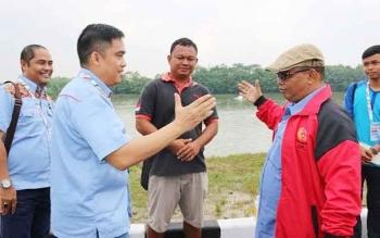 Ketua KONI Kalimantan Tengah, Aries Marcorius Narang (kiri), bersama Wagub Kalteng Habib H Said Ismail. BORNEONEWS/ROKIM