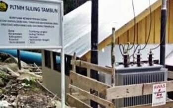 Mesin Pembangkit Listrik Tenaga Mikro Hidro (PLTMH), di Suling Tambun, Seruyan. Warga berharap kapasitas daya listrik pembangkit ini ditingkatkan, agar lebih banyak desa menikmati aliran listrik. BORNEONEWS/PARNEN