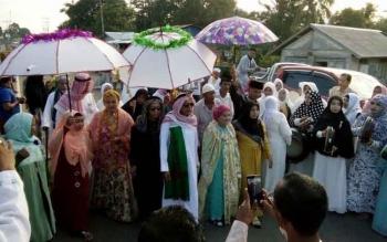 Suasana penyambutan Jemaah Haji Lamandau, di Halaman Masjid Jami Awwaliyah Nanga Bulik. BORNEONEWS/HENDY
