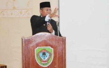 Bupati Seruyan Sudarsono membuka Rapat Koordinasi pelaksanaan rencana pembangunan dan evaluasi rencana kerja triwulan III, di Aula Bappeda Seruyan, Senin (3/10/2016). BORNEONEWS/PARNEN