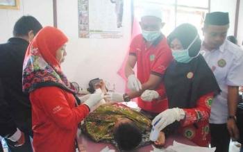 Salah satu suasana pelayanan medis di RSUD Jaraga Sasameh. BORNEONEWS/DOK
