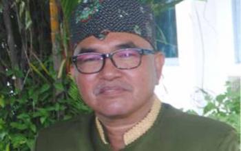 Siren, Kabid Sekolah Dasar Dinas Pendidikan dan Kebudayaan Barito Selatan. Nama pejabat Dikbud ini dicatut namanya oleh penipu. BORNEONEWS/URIUTU DJAPER