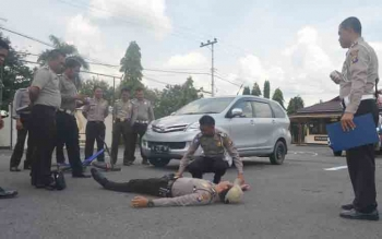 Satlantas Polres Barsel Dilatih Tangani Korban Kecelakaan