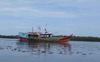 Tumbuhan yang larut hingga ke Kecamatan Jelai cukup menggangu angkutan speed boat karena dapat membahayakan mesin. BORNEONEWS/NORHASANAH