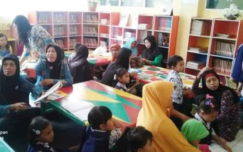 Kantor Perpustakaan Arsip dan Dokumentasi (KPAD) Kapuas, kini sering dikunjungi oleh Pendidikan Anak Usia Dini (PAUD) setiap Sabtu selalu ramai dikunjungi. BORNEONEWS/DJEMMY NAPOLEON