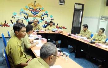 Wakil Wali Kota Palangka Raya, Mofit Saptono Subagio memimpin rapat Pembangunan Drainase Utama Palangka Raya, di Bappeda, Senin (7/11/2016). BORNEONEWS/TESTI PRISCILLA