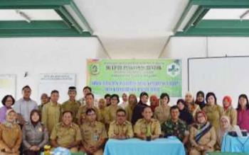 Foto bersama dalam kegiatan sosialisasi kesehatan bagi balita di Puskesmas Buntok BORNEONEWS/LAILY MANSYUR