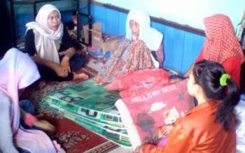 Seorang nenek lumpuh berusia 53 tahun, Nur Aniah, nyaris terpanggang dalam kebakaran di Jalan dr Murjani, Komplek Rindang Banua, Gang Sayur, Palangka Raya, Rabu (9/11/2016) pagi. BORNEONEWS/BUDI YULIANTO