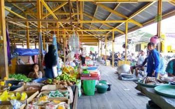 Jumlah kios Pasar Sayur Ikan (Saik) Sukamara akan ditambah. BORNEONEWS/NURHASANAH