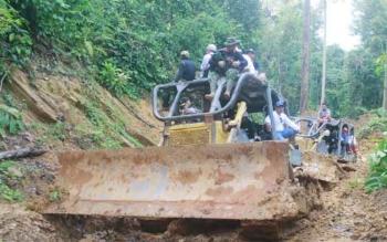 Kegiatan ekspedisi Bukit Tantan Samatuan yang dilaksanakan Pemerintah Kabupaten Gunung Mas (Pemkab Gumas), 4-8 November 2016. BORNEONEWS/EPRA SENTOSA