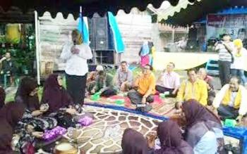 Calon Bupati Kotawaringin Barat Nurhidayah saat melakukan pertemuan dengan warga di Kecamatan Kotawaringin LamaBORNEONEWS/KOKO SULISTYO