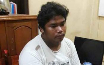 Pelaku pembunuhan, Rokip bin Naim (22)