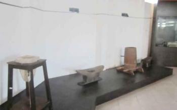 Sejumlah benda bersejarah yang ada di Museum Kayu di Kota Sampit. BORNEONEWS/HAMIM
