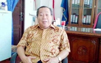 Mantan Dekan FKIP Universitas Palangka Raya, Bambang TK Garang, menjadi tersangka kasus korupsi senilai Rp770 juta. BORNEONEWS/RONI SAHALA